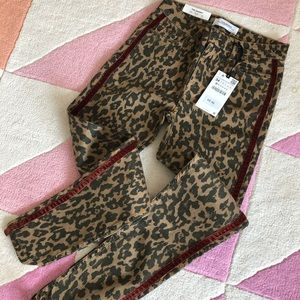 NWT! Zara Animal Jeans w side detail